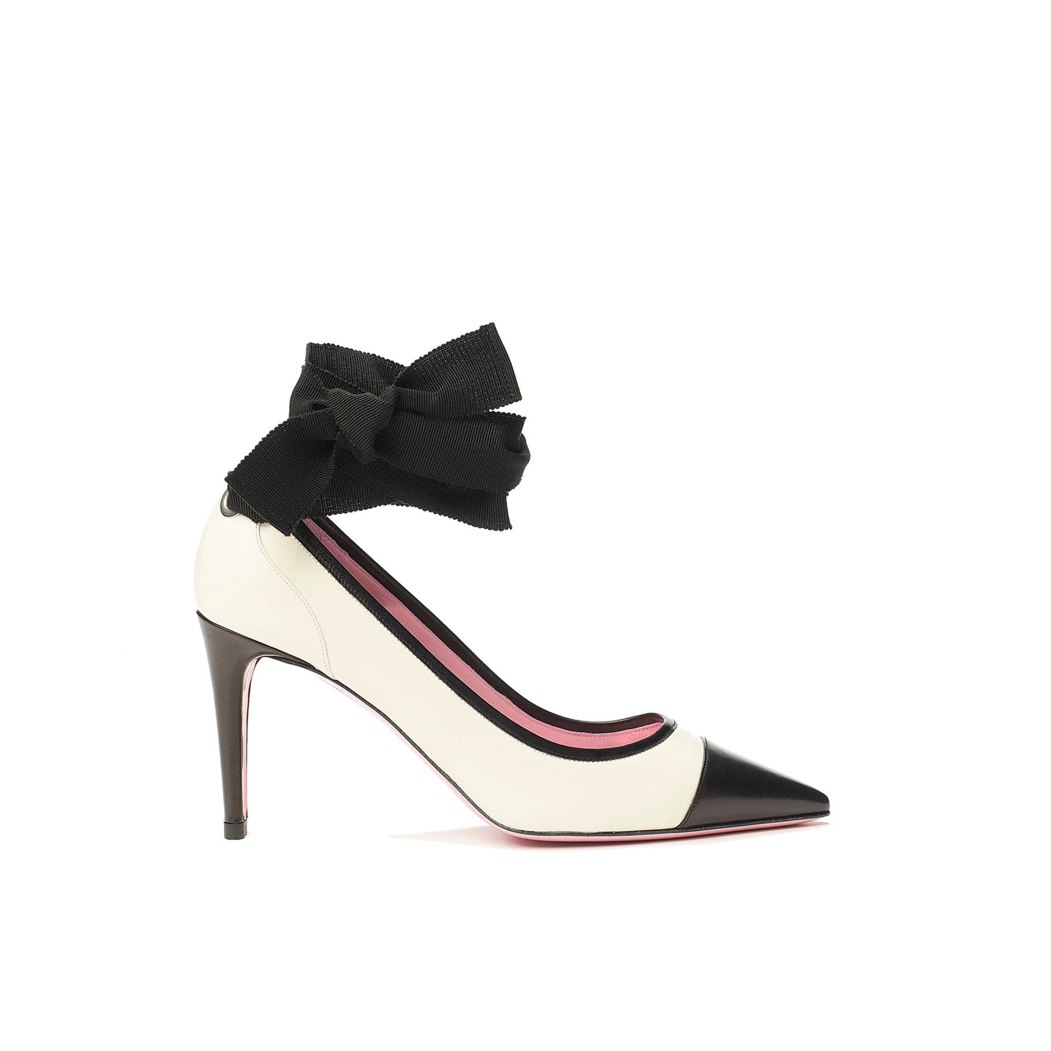 Ribbon tie pump in cream/black leather