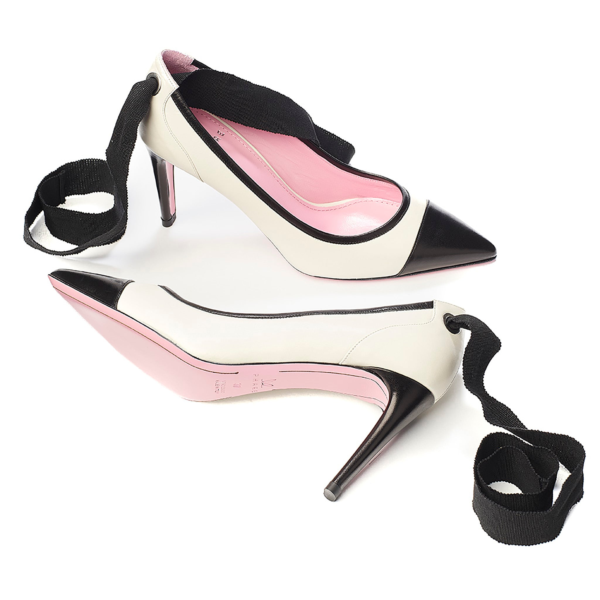 Ribbon tie pump in cream/black leather sole view