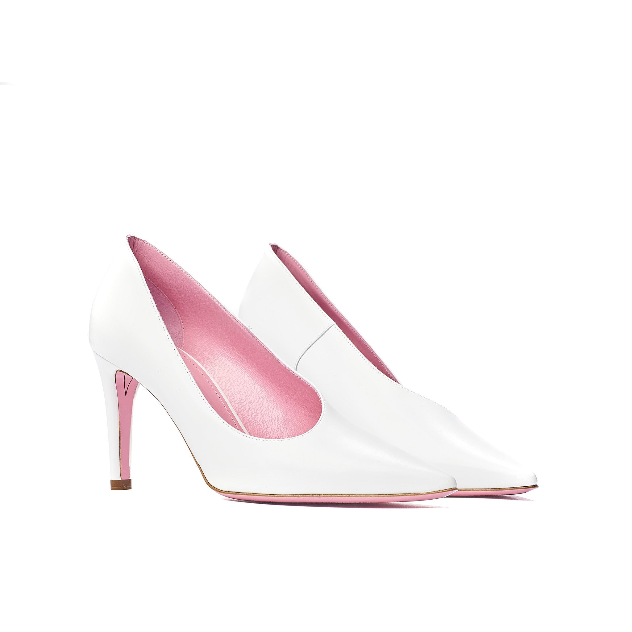 phare Asymmetrical pump in chalk leather 3/4 view