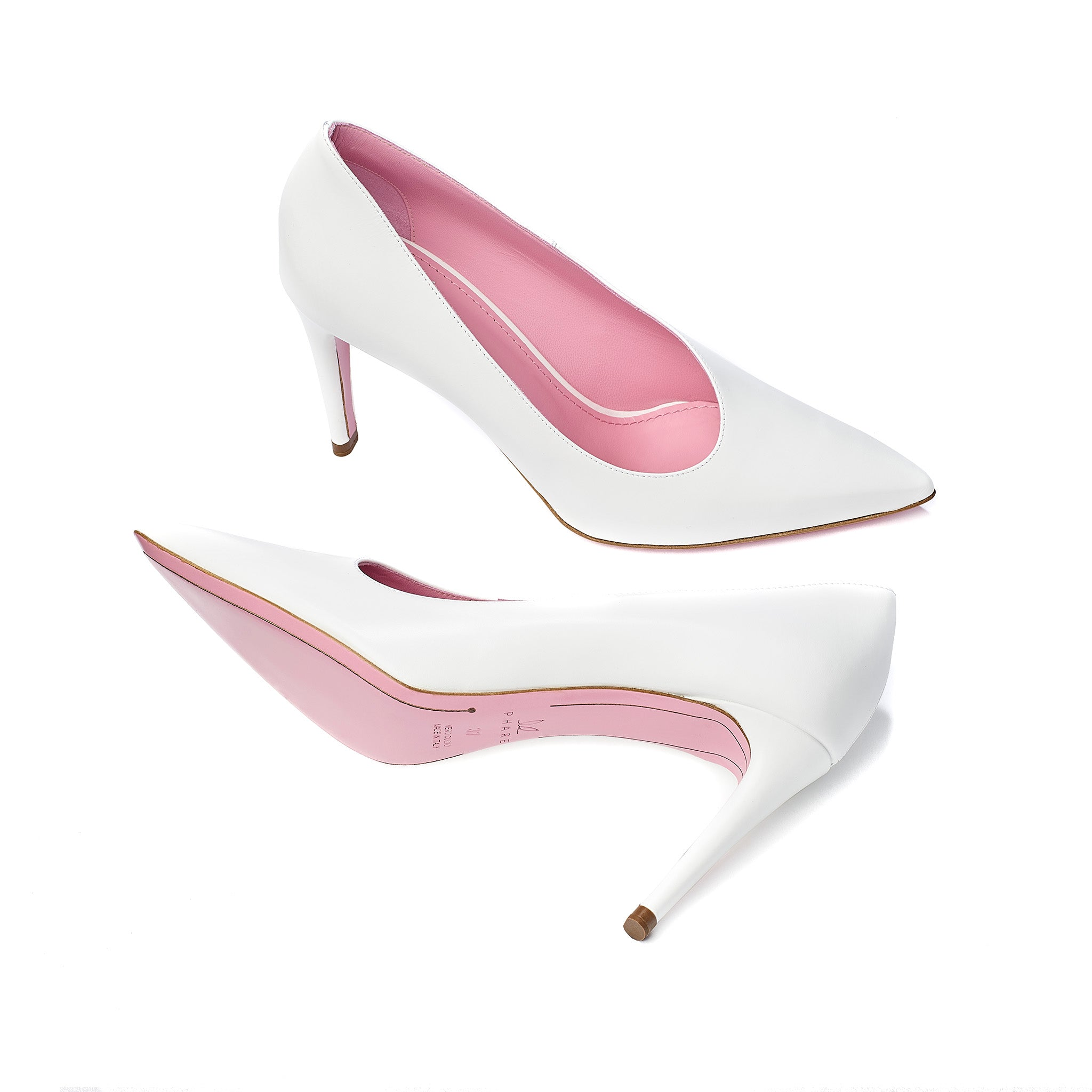 phare Asymmetrical pump in chalk leather sole view