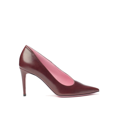 Phare Asymmetrical pump in bordeaux leather