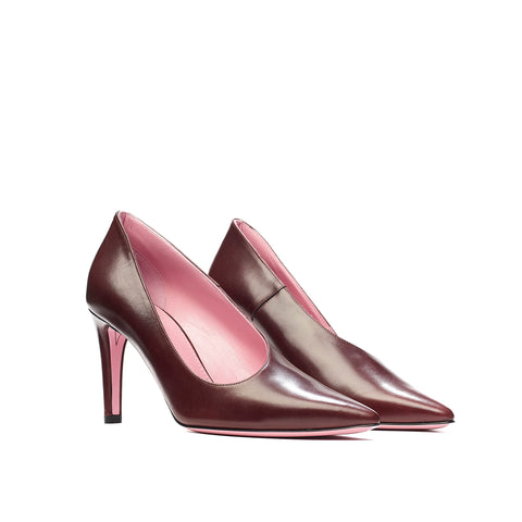 Phare Asymmetrical pump in bordeaux leather 3/4 view
