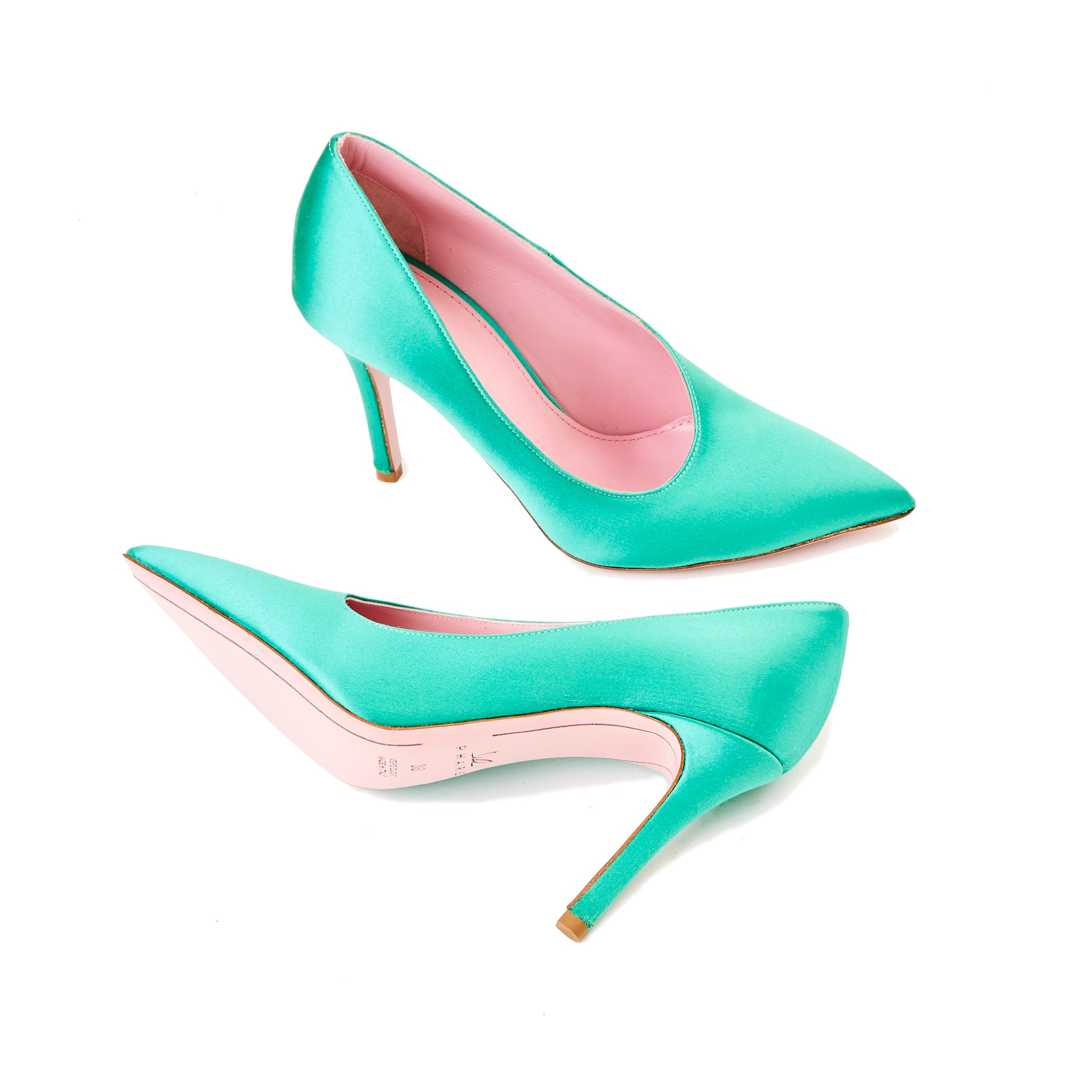 Phare seta asymmetrical pump in verde silk satin sole view