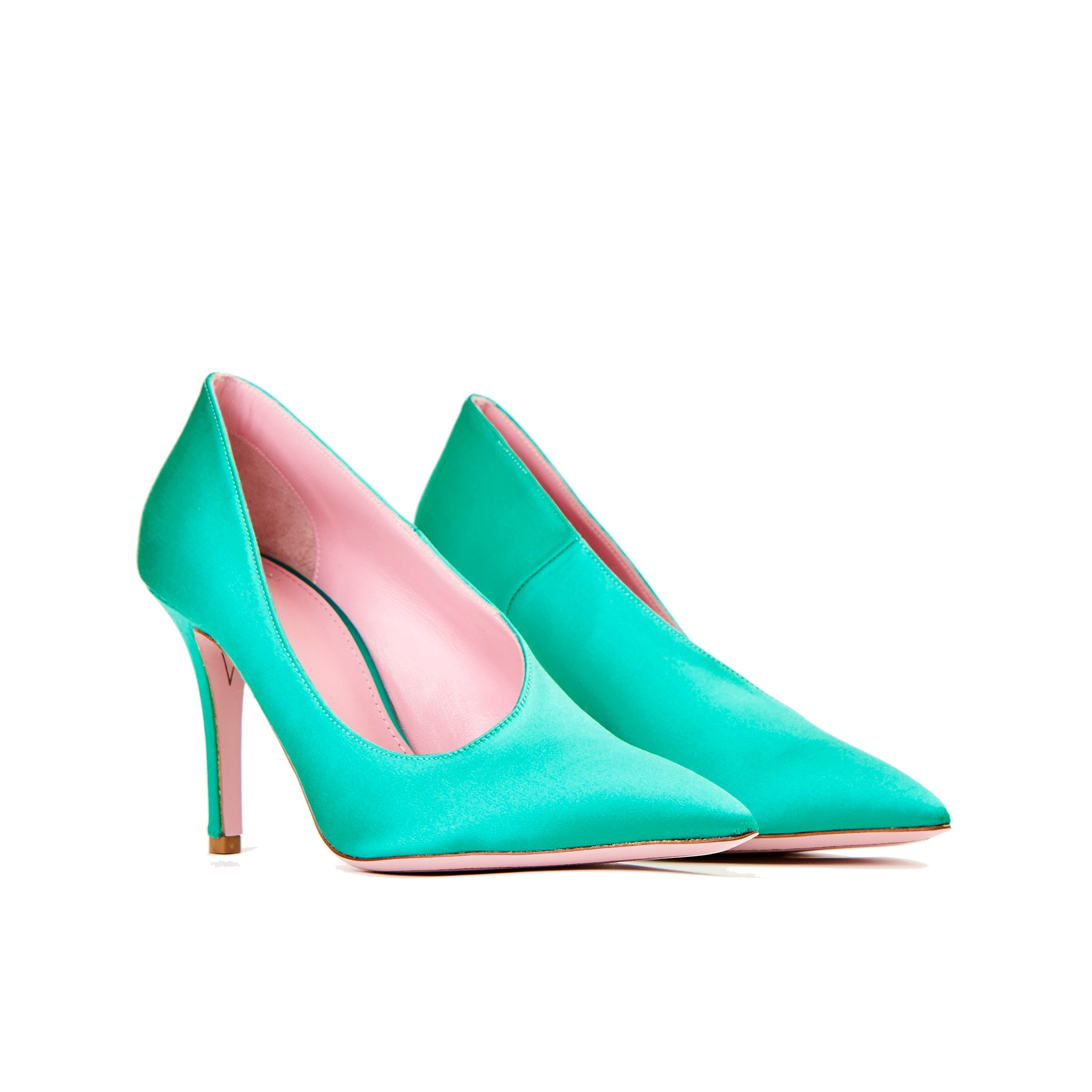 Phare seta asymmetrical pump in verde silk satin 3/4 view