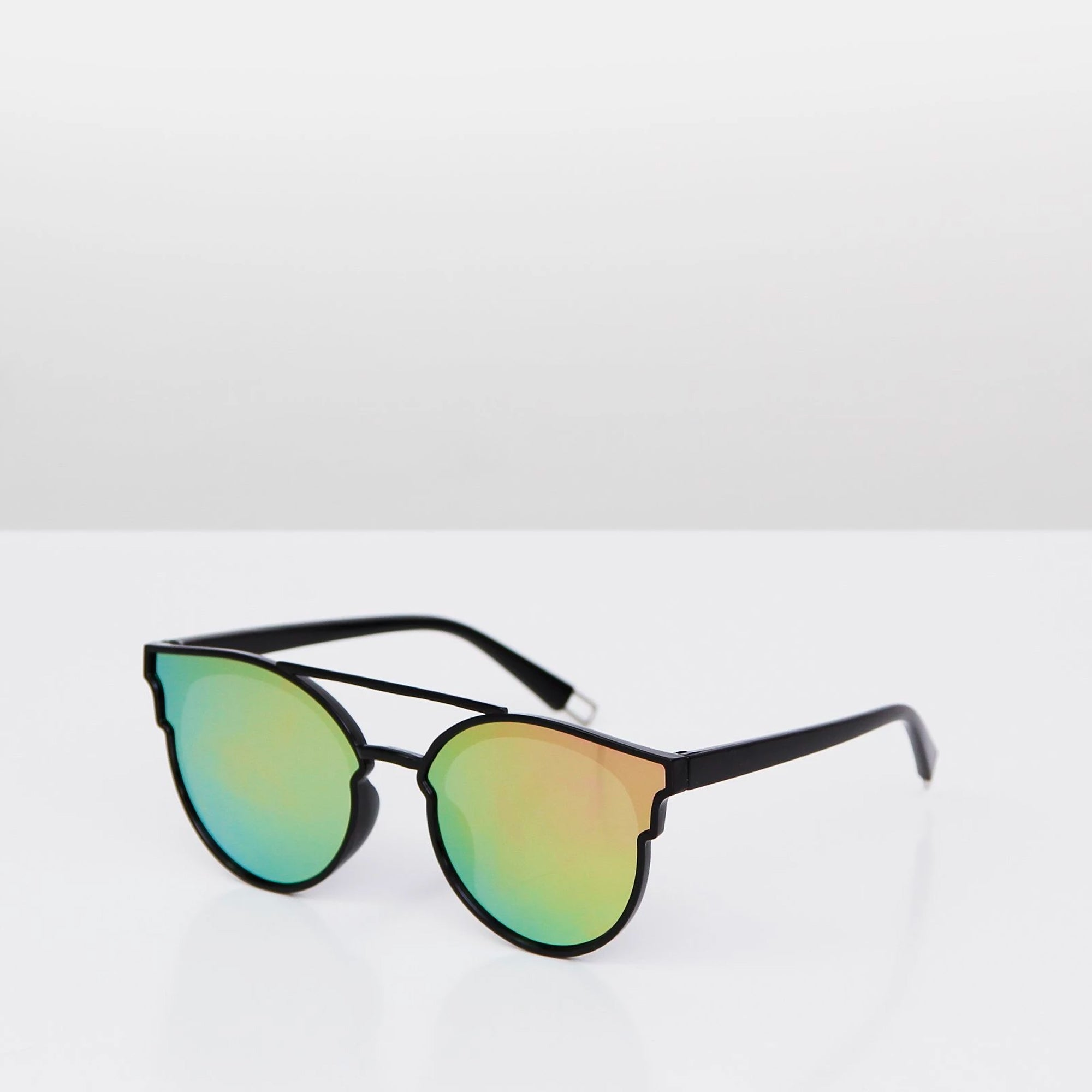 Hunter-wild-street-sunglasses-square-.jpg