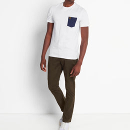 Lyle and Scott Contrast Pocket T-shirt - White/Navy