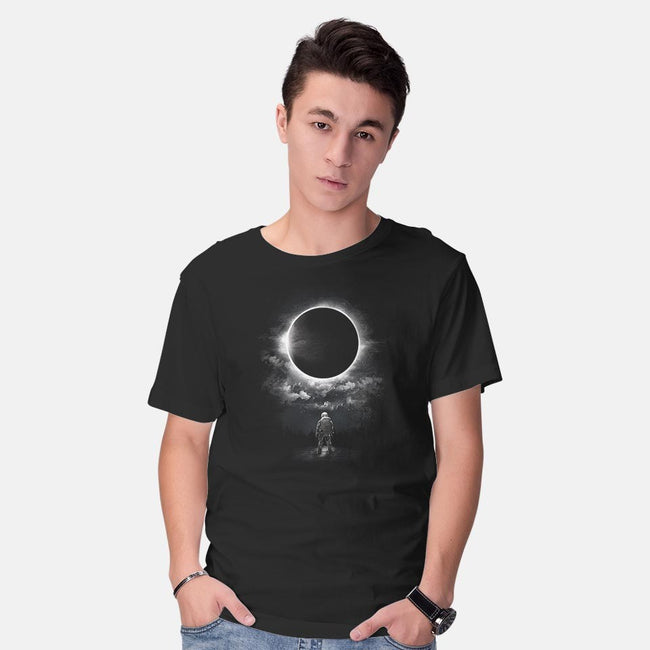 Eclipse-mens basic tee-dandingeroz