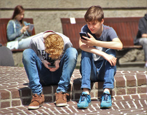 4 Signs Of Digitally Unhealthy Kids