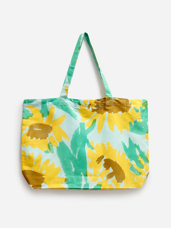 LT. BLUE SUN SHOWER PACKABLE TOTE ONS LEAH GOREN BEACH TOTE