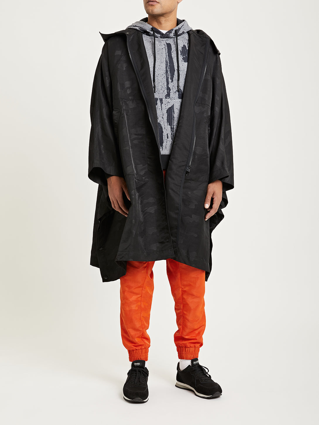 BLACK DTT x ONS creative lab fin first poncho