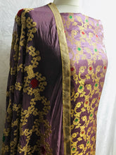 Load image into Gallery viewer, Lilac 3 piece Embroidered Banaarsi suit SP158-1 midtex