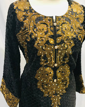 Load image into Gallery viewer, Small size Ready made Plaachi suit in Black and Gold with thread neck embroidery SP307-1 midtex