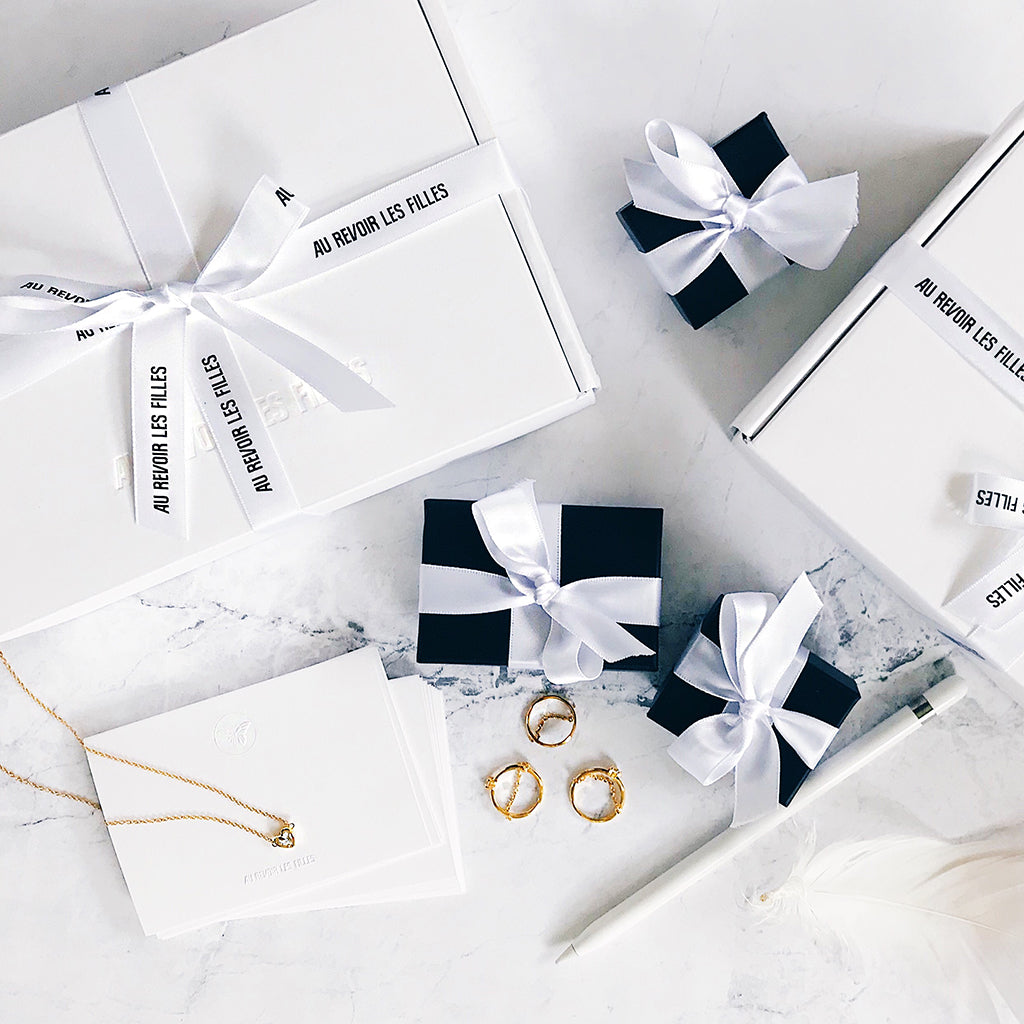 white designer gift packaging jewelry
