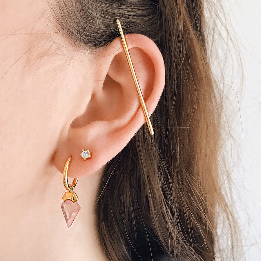 Ear Cuff Bar Earring Sterling Silver 14k Gold Minimal Simple Jewellery. No need for piercings. Get the look of a pierced top ear without having to pierce your ears. Perfect for the modern minimalist or those who like simplicity. Effortless chic and stylist. Parisian style ear cuff and jewellery. Scandinavian style.