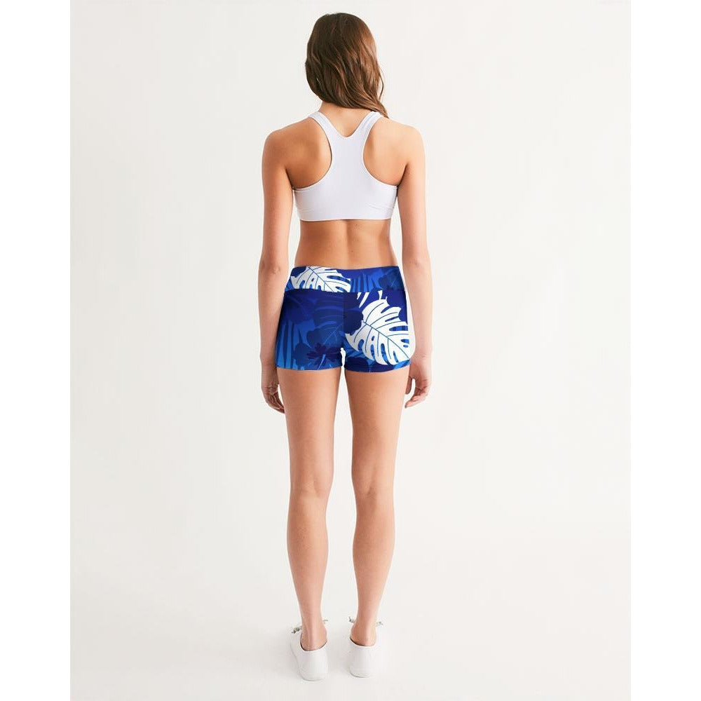 FIND YOUR COAST ACTIVE COMFORT CAYMAN MID-RISE YOGA SHORTS, Women - Apparel - Activewear - Leggings - Haute Companie