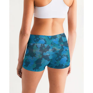 FIND YOUR COAST ACTIVE COMFORT OCEAN CAMO MID-RISE YOGA SHORTS, Women - Apparel - Activewear - Leggings - Haute Companie