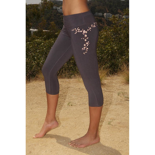 LUMINOUS BEING YOGA CAPRI LEGGINGS CHERRY BLOSSOM