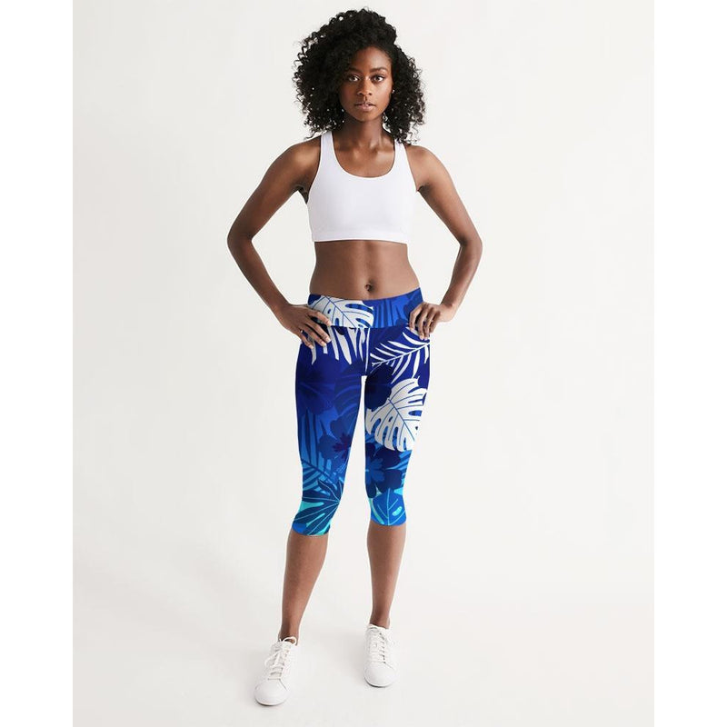 FIND YOUR COAST ALL DAY COMFORT MID-RISE CAYMAN CAPRI LEGGINGS, Women - Apparel - Activewear - Leggings - Haute Companie