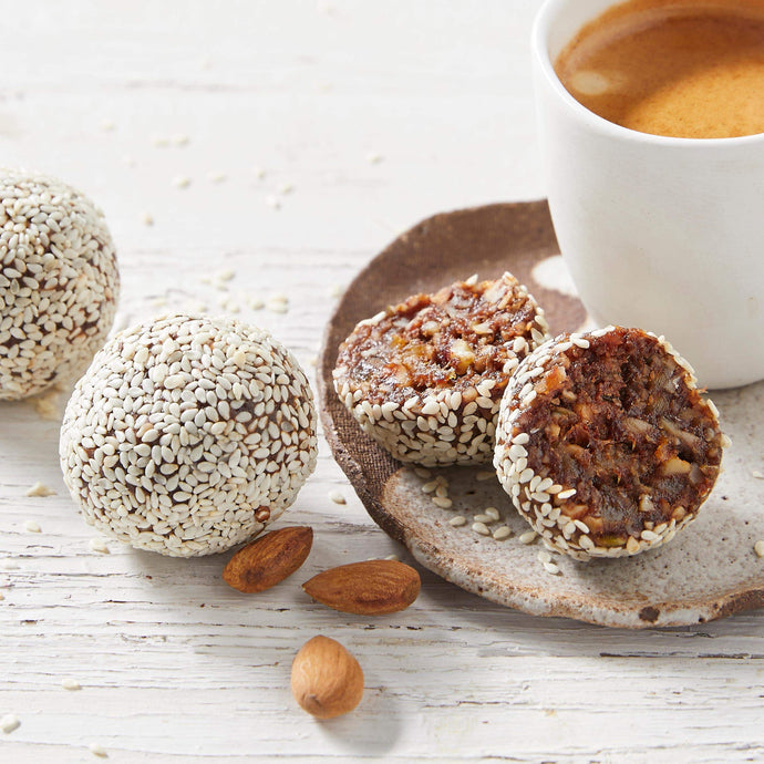 Dineamic Breakfasts & Snacks Date & Almond Power Balls