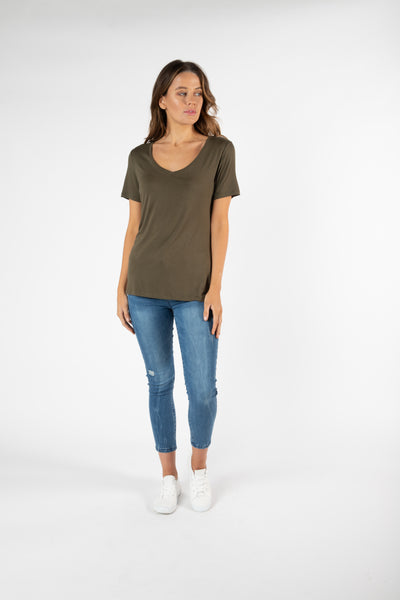Betty Basics Manhatten Tee Khaki Hello Pattern