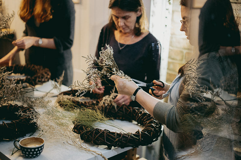 Travelling Basket Journal - Dried Flower Seasonal Wreath Making Workshop Edinburgh - photo 5