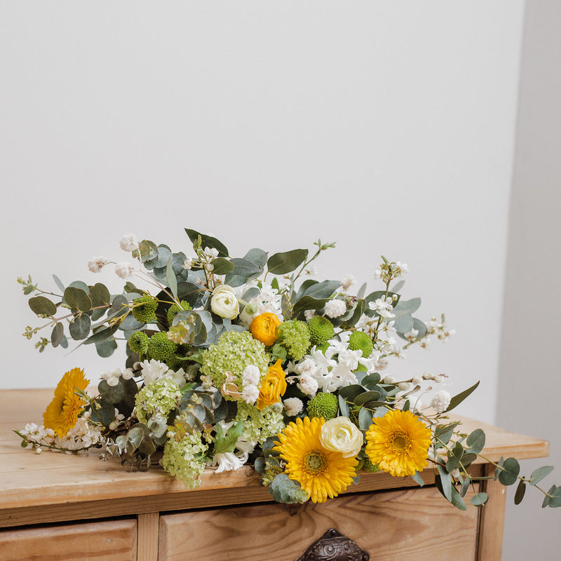 Joyful natural bouquets, wild and seasonal bridal floristry, natural fresh and dried flowers, bespoke arrangements and wedding flowers