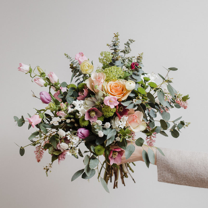 Seasonal luxury blooms, posies and hand tied bouquets and wedding flowers