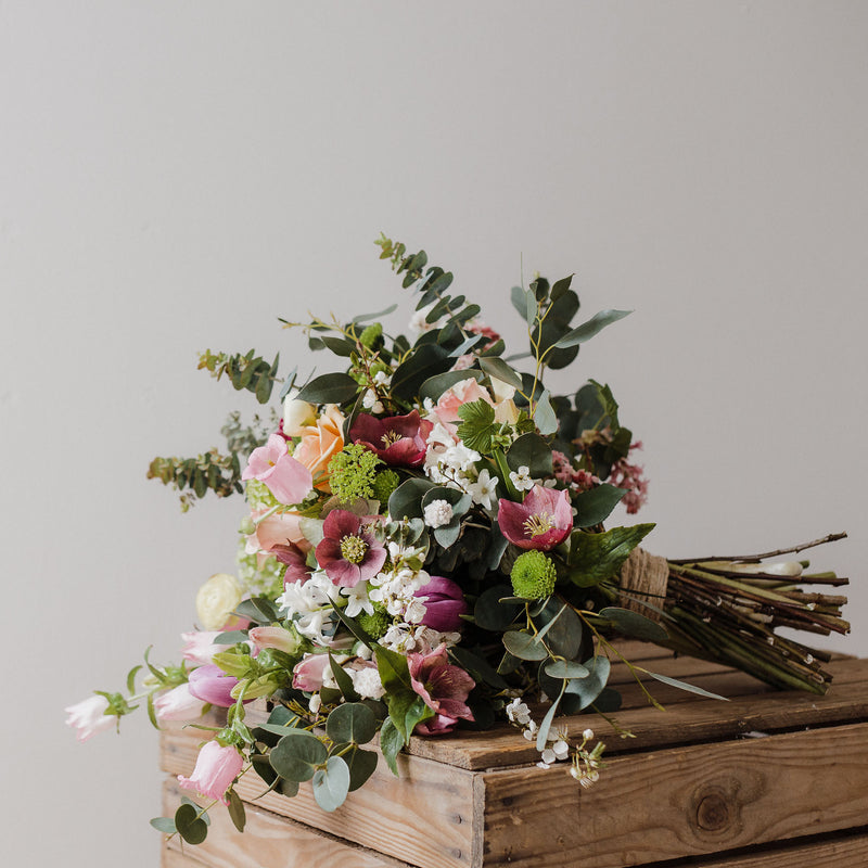 Luxury blooms, romantic bouquets and wedding flowers at lovely Edinburgh Florist