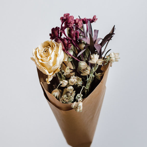 Edinburgh Marchmont florist offering luxury dried flower bouquets, bohemian bridal floristry, natural fresh and dried flowers, bespoke posies, bouquets and arrangements and wedding flowers