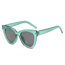 Load image into Gallery viewer, The De Sol Sunglasses Green Grey Sunglasses Green Grey   - Super Cool Supply Store