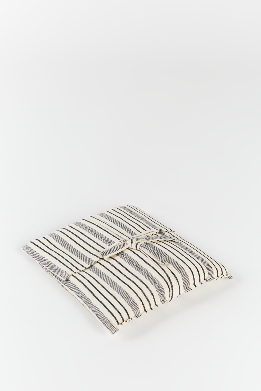 Throw with Fringes & Pouch