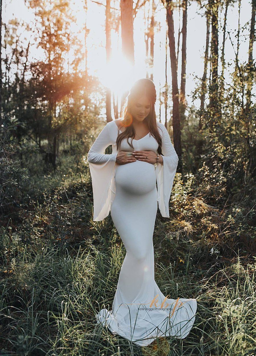 Vanae bell sleeve maternity gown in white