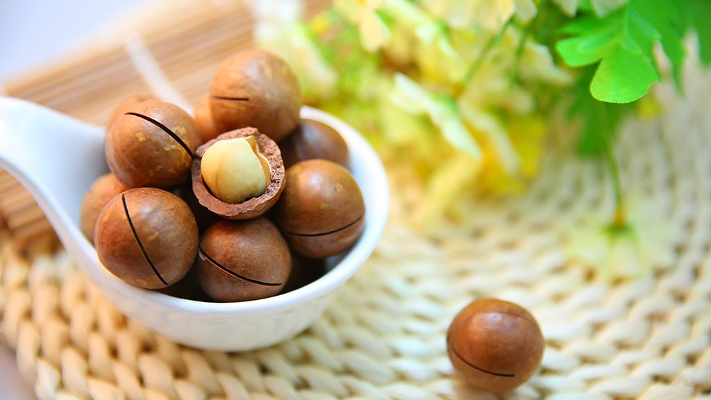 Nuts: An Insider Tip for Healthy Skin