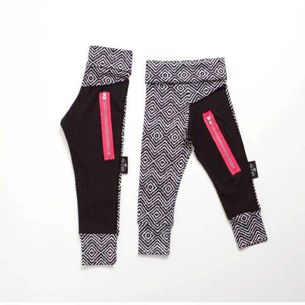 ON SALE NOW !!!! Unisex Monochrome Leggings With Pink Zip