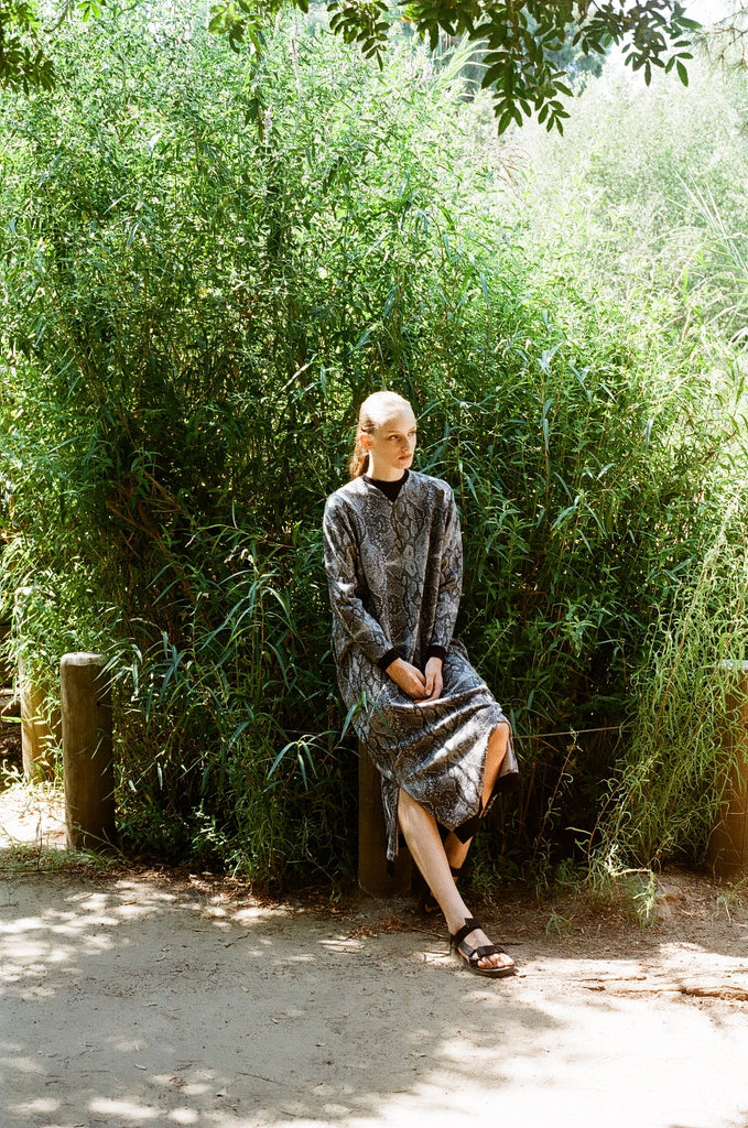 Winter 20- Maxi sweatshirt dress in snake print