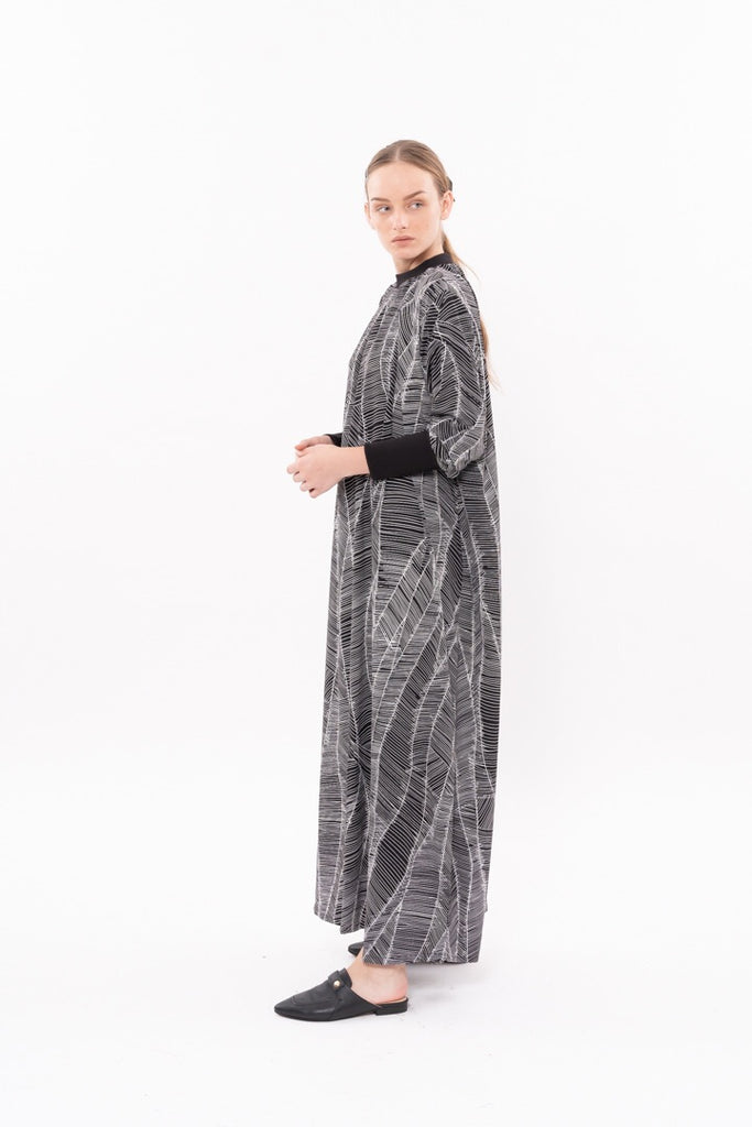 Winter 20- Long sleeves Silky dress Black and White print
