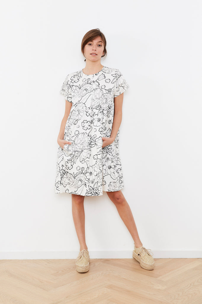 Summer 2020 - Hanalle dress - White with Black print