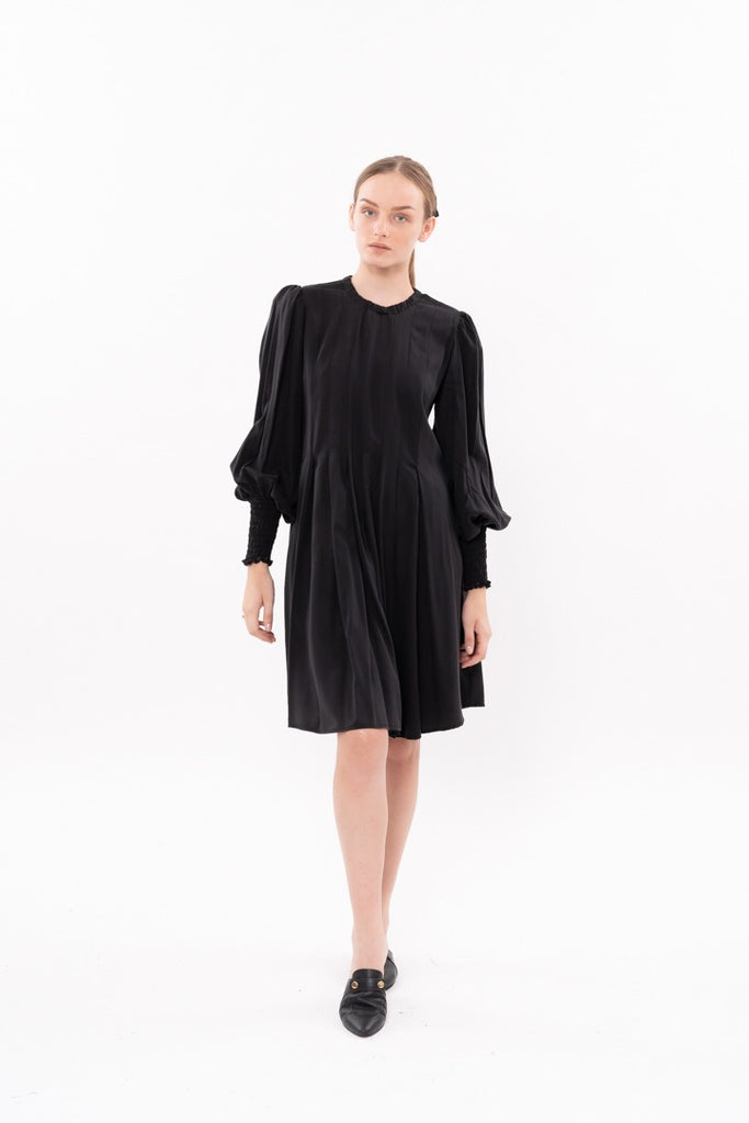 Winter 20 - Diver Dress - Black