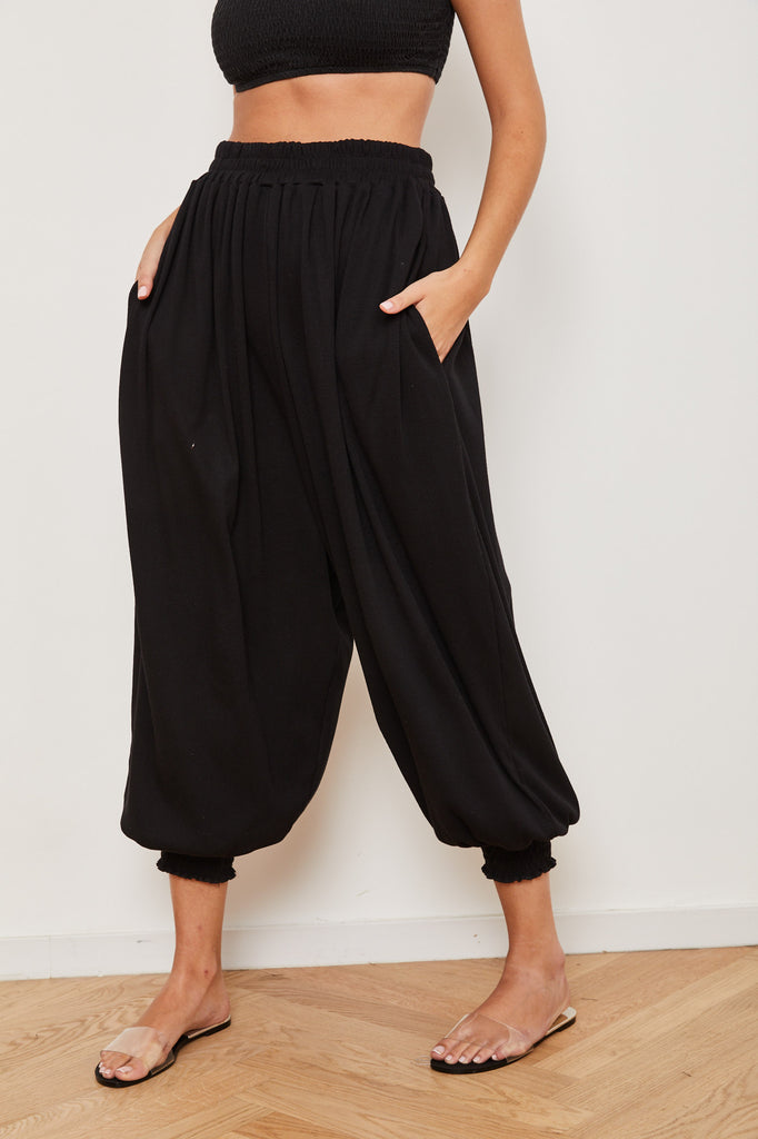 Winter 2021 -  Aladdin pants- Black