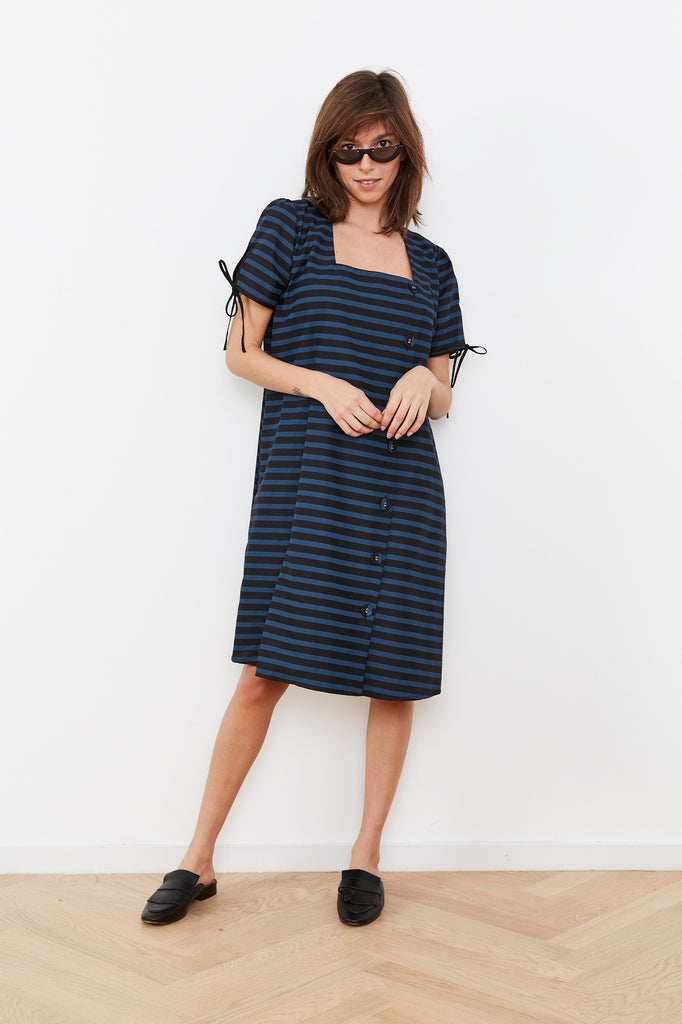 Summer 2020- Key dress 🔑 - Black and Blue stripes
