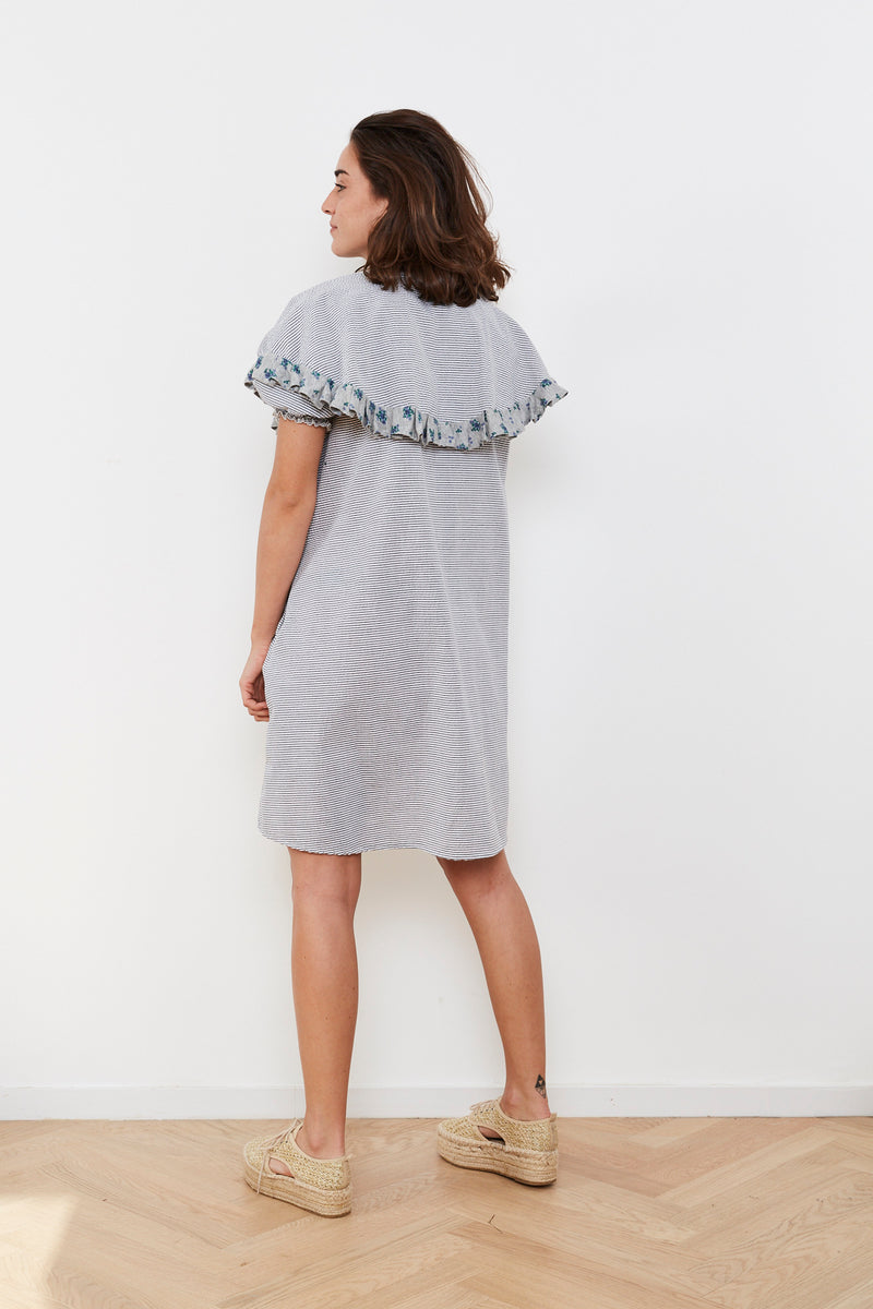 Outlet- Summer 2020- Cape dress in Grey and white stripes