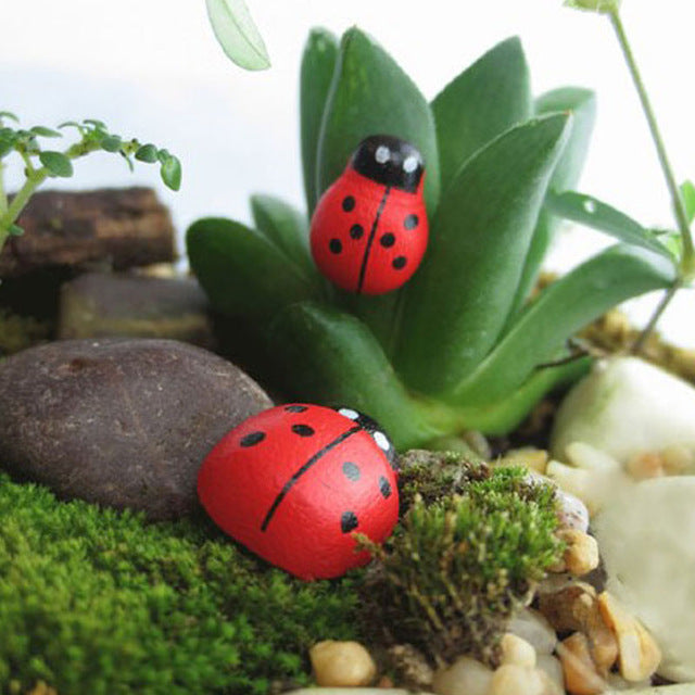 100 Pcs/ Pack Wooden Ladybird Ladybug Sticker Children Kids Painted Adhesive Back Diy Craft Home Party Holiday Decor Fp8