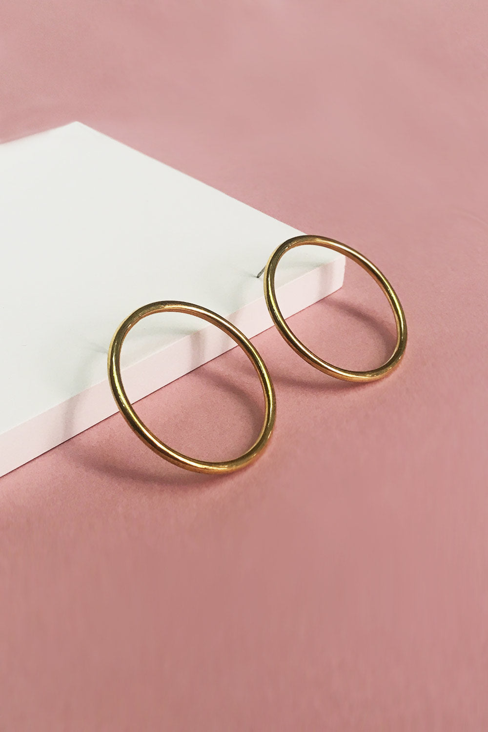 gold circle earrings, post earrings gold, primary new york, SOKO