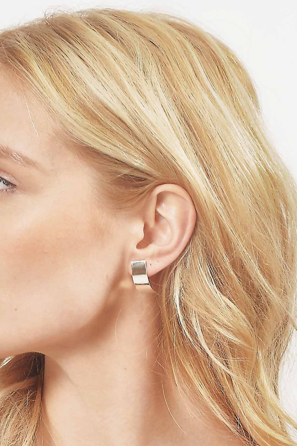Tarin Thomas Curved Mini Andie Earrings - Primary New York