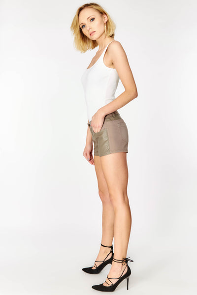 Shorts with front and back pockets