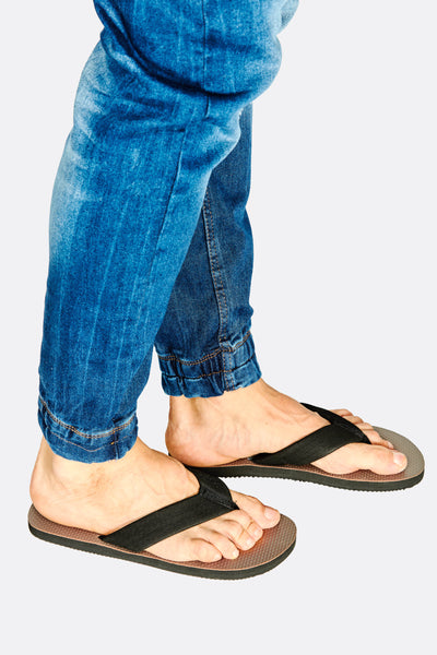Black Sandals With Textured Insole
