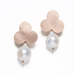 Flower and pearl earrings