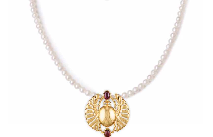 Cleopatra Open-Winged Scarab Pearl Enhancer