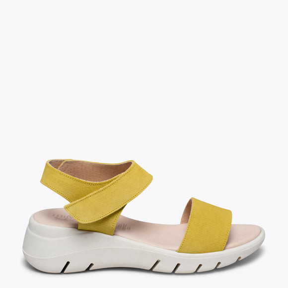 360 -Sandale en cuir JAUNE ultra flexible