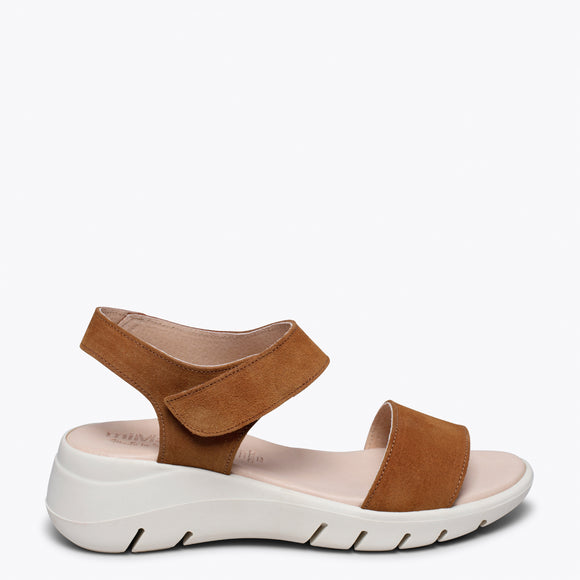 360 -Sandale en cuir CAMEL ultra flexible